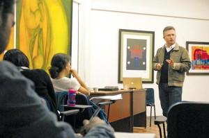 Leonardo Valencia en Maestría de Escritura Creativa UNB